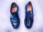 Buty letnie, a zatem jakie obuwie ma zakupić chłopak, kiedy jest ciepło