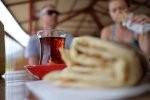 Czemu warto pić herbatę? Jakie ma właściwości, na jakie dolegliwości jest dobra?