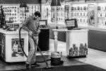 Maszyny sprzątające w asortymencie sklepów internetowych – o czym wskazane jest przede wszystkim pamiętać zanim dokona się zakupu?