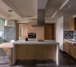 Jeśli w tym momencie aranżujesz wnętrze nowego mieszkania, albo przeprowadzasz konkretny remont - warto zaczerpnąć odrobinę wiedzy na temat aranżacji łazienki i kuchni.
