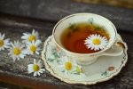 Podstawowe informacje o popularnych rodzajach herbat, które można znaleźć w naszych sklepach.
